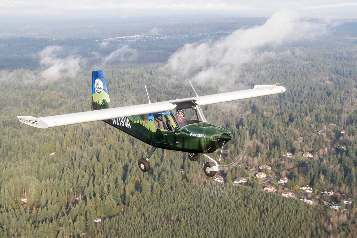 The Vashon Ranger R7 flies around Seattle on a beautiful day